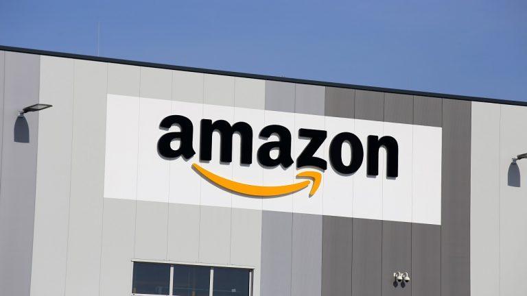 印度零售商群组在路透社报告后在国家禁止亚马逊
