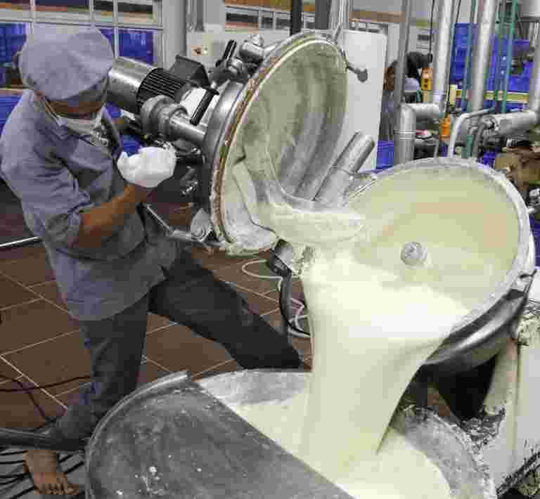 预计增值产品将在2012财年贡献72%,由2012财年举行,说明牛奶