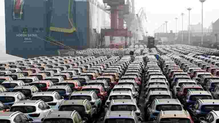 议会小组报告称,汽车部门放缓导致3.4万卢比的失业