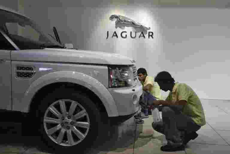 Tata Motors报告全球批发集团的64%下降
