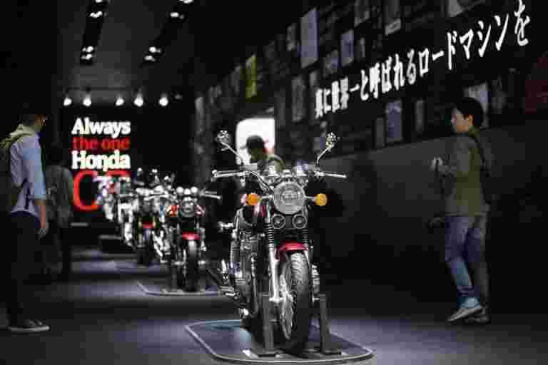 本田进入中等尺寸的自行车区段,揭开了H'ness CB350