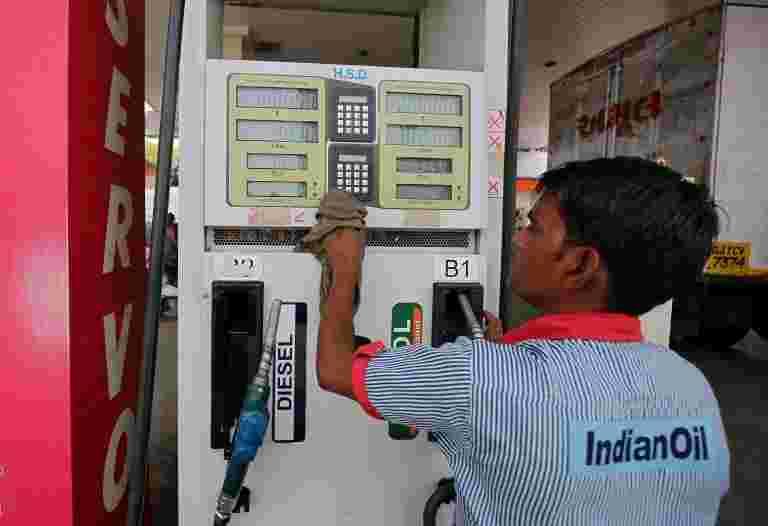 汽油价格稳定,而柴油落在主要城市;在这里查看价格