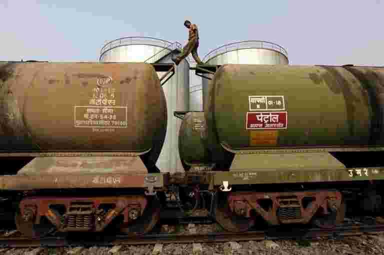 印度的石油从伊朗进口到4月份下降57%