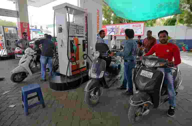 汽油,柴油价格上涨5幅宽阔的城市。在这里查看价格