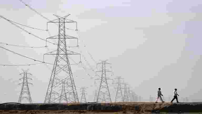 印度的电力输出在八月连续第六个月下降