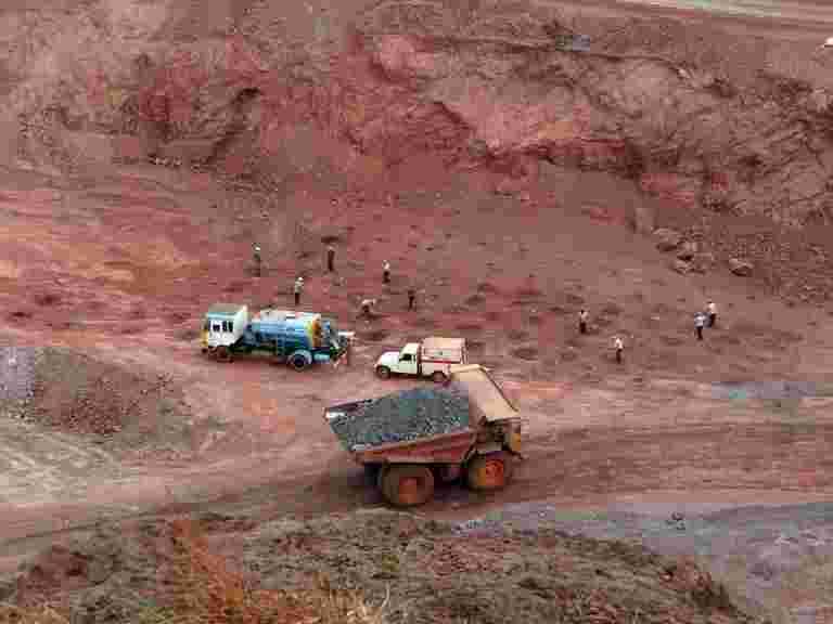 NMDC将铁矿石率升至300卢比