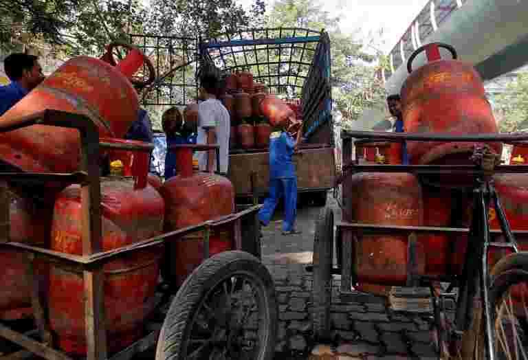 石油部采取柜台批准天然气部门改革