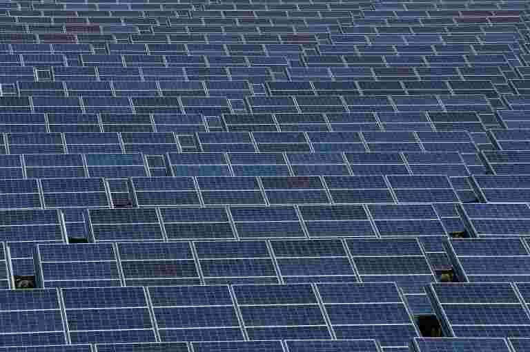 """""""地标成就"""":BHEL在4.5个月内安装1.7 MW太阳能电厂进行铁路"""