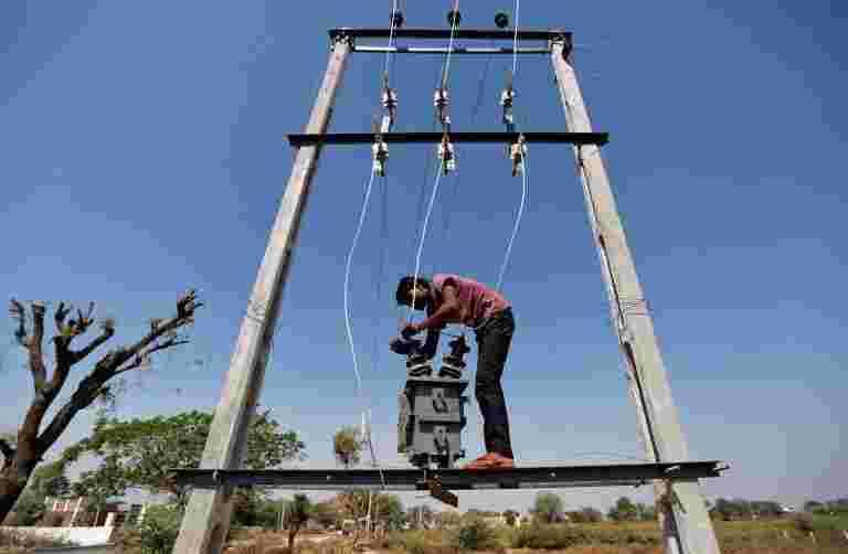 9月平均点电价下跌近3%至每单位2.69卢比
