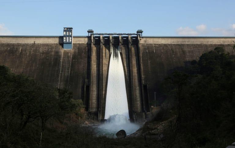 喀拉拉邦的大坝是否加剧了印度曾经的洪水?