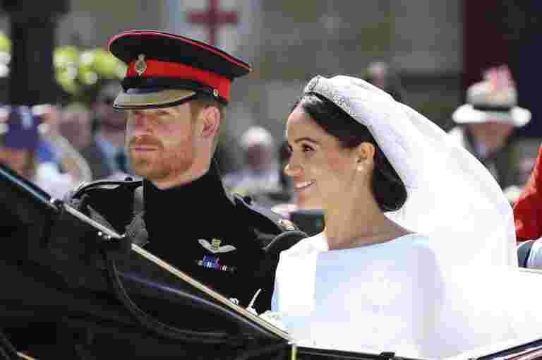 苏尔塞克斯梅珊克莱公爵夫人怀孕了:肯辛顿宫殿