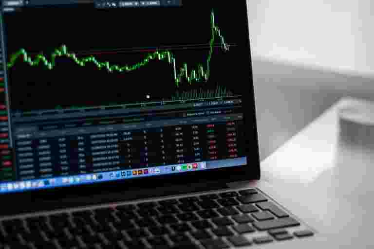 市场前景:流动性担忧,Q2结果绘制股市的课程