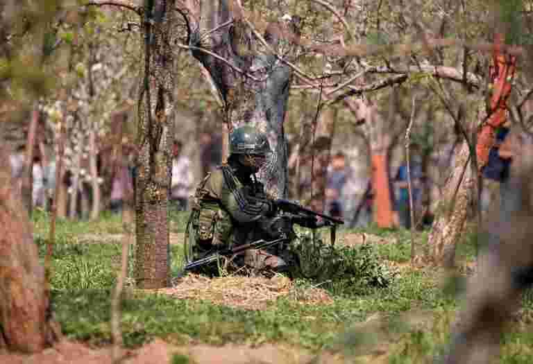 大约160名恐怖分子等待在巴基斯坦推出垫中浸润的高级军官