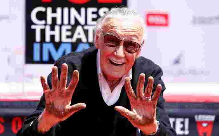 斯坦·李,蜘蛛侠和其他奇迹超级英雄的创造者,死于95