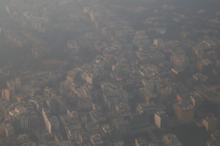 德里的空气质量正常转动严重:当局