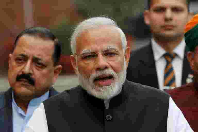 Modi的选举前讲义是因为违反财政目标的印度数十亿美元,表示来源