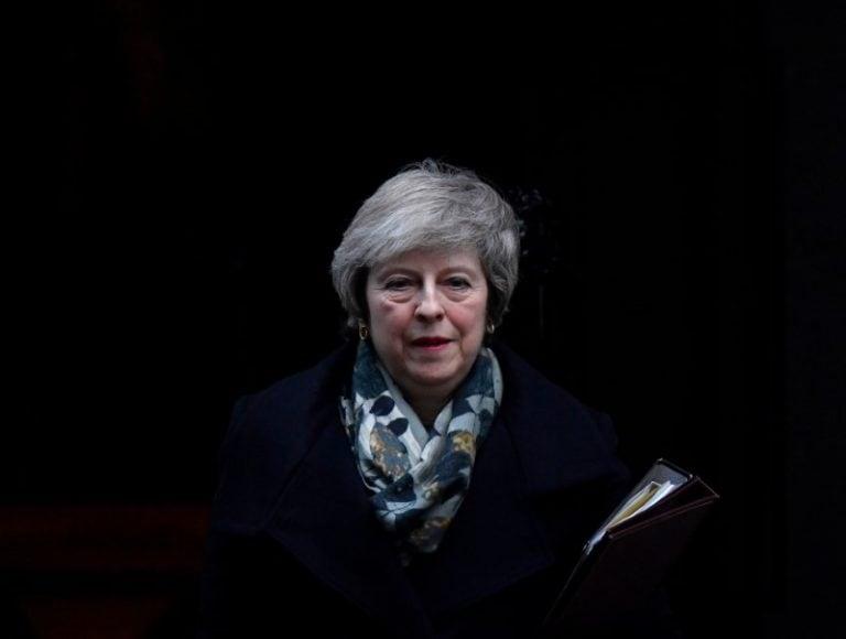 英国PM在Brexit程序中遭受议会失败