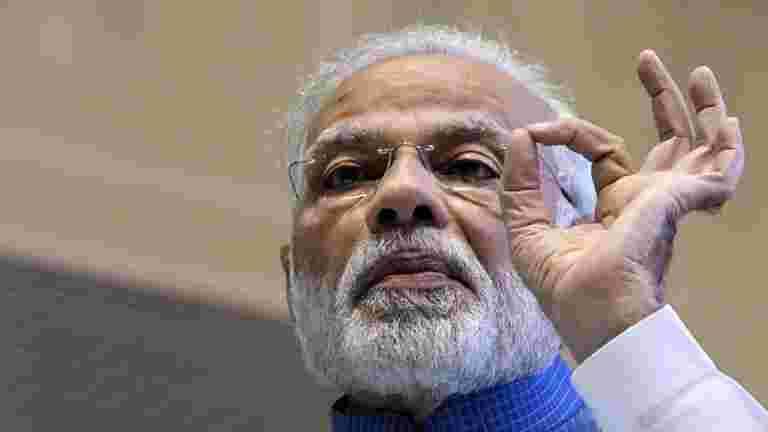 PM Modi说,父母不应该指望孩子们履行他们不达到的梦想