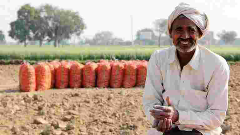 Icrier的Ashok Gulati说,PM Modi可能比全印度贷款豁免为全印度贷款豁免更大步骤