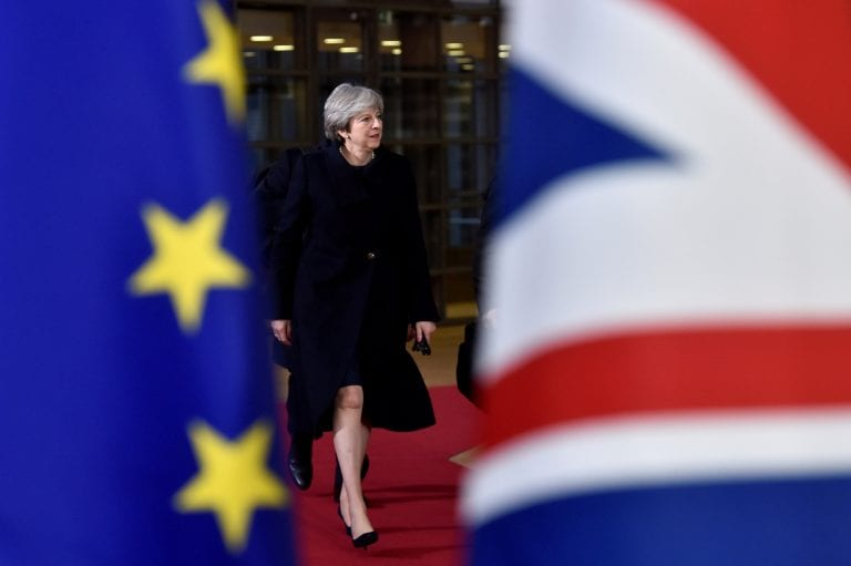 英国立法者指示英国PM Theresa可以改变Brexit交易;欧盟说'否'